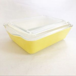 Vintage Pyrex Yellow Refrigerator Dish with lid